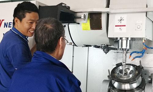 上海卢湘仪成功设计镗孔夹具,大幅提升离心机角转子加工精度!