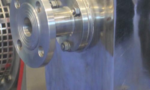 在双层玻璃反应釜工作过程中,4个方面需要注意